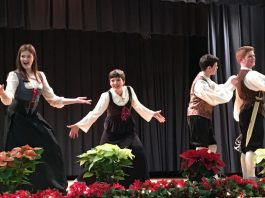 A Madrigal Dinner Hosted by Hopewell Valley Central High School Choirs